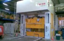 Mounting ARISA link-drive 630Tn press in France
